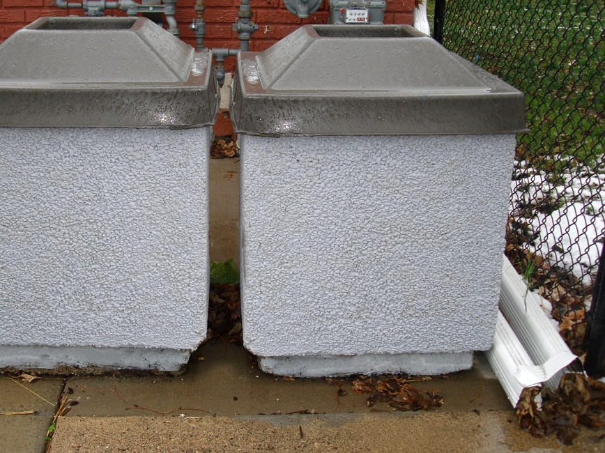 concrete litter container